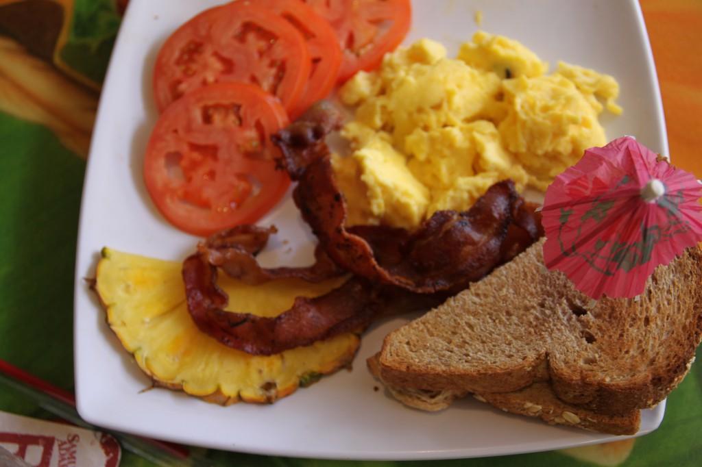 ハワイ,朝食,ハンバーガー